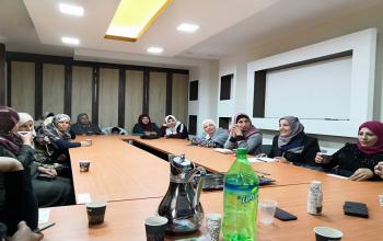 المركز الفلسطيني للاتصال والسياسات التنموية  | المركز الفلسطيني يعقد أربعة نشاطات (النساء العاملات في المشاغل الصغيرة في ظل أزمة النقاشات حول قانون الضمان الاجتماعي )