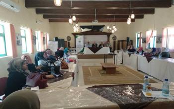 المركز الفلسطيني للاتصال والسياسات التنموية  | المركز الفلسطيني يعقد جلسة استماع  حول إستراتيجية وزارة المرأة نحو حماية حقوق النساء العاملات